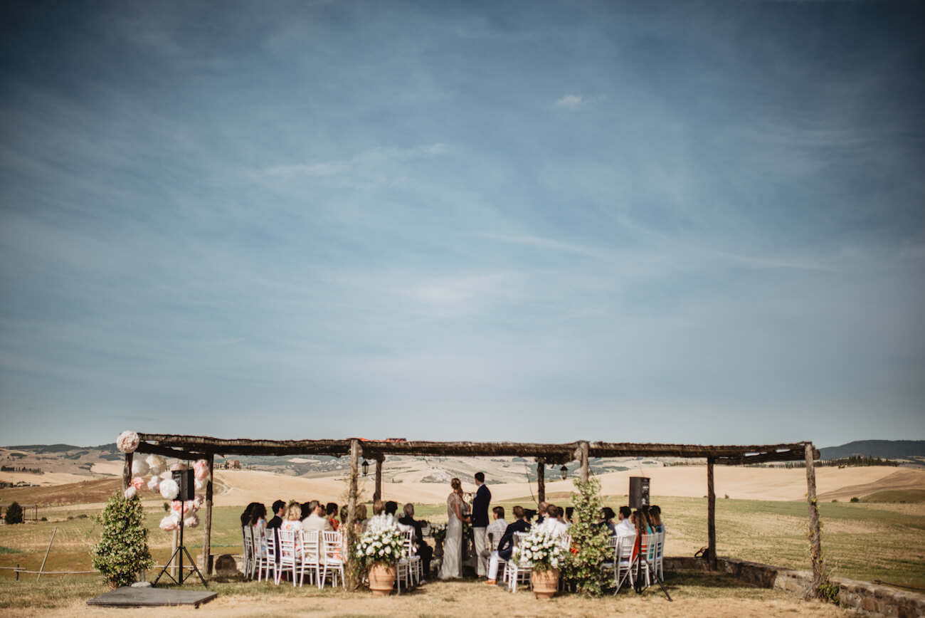 panzo di nozze sotto la pergola